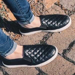 A New Day Reese Black Quilted Sneakers